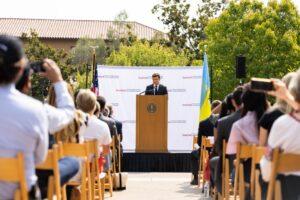 Володимир Зеленський виступив у Стенфордському університеті: Україна – це країна, де все можливо