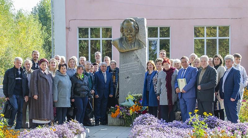 На Вінниччині відбулось поетичне свято «Браїлівська осінь Володимира Забаштанського»
